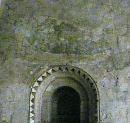 Au fond de la galerie sud de la crypte la galerie saint jean baptiste